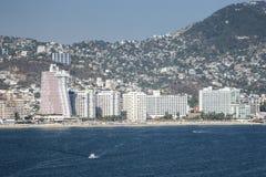 Wolkenkratzer in Acapulco Lizenzfreie Stockbilder