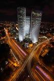 Wolkenkratzer in der Mitte von Tel Aviv Stockbilder