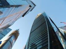 Wolkenkratzer des Geschäftszentrums in Moskau stockfotos