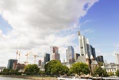 Wolkenkratzer errichten in Frankfurt am Main Deutschland Lizenzfreies Stockfoto