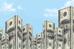 Wolkenkratzer-Gebäude gemacht von den Dollar-Banknoten Lizenzfreie Stockfotos
