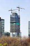 Wolkenkratzer im Bau im Peking-Stadtzentrum, China Lizenzfreie Stockbilder