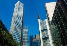 Wolkenkratzer im Finanzbezirk von Frankfurt, Deutschland Stockfotografie