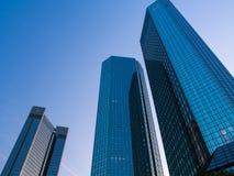 Wolkenkratzer im Finanzbezirk von Frankfurt, Deutschland Lizenzfreie Stockbilder