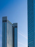 Wolkenkratzer im Finanzbezirk von Frankfurt, Deutschland Lizenzfreies Stockbild