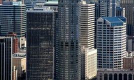 Wolkenkratzer im Geschäftsgebiet lizenzfreie stockfotos