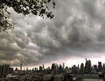 Wolkenkratzer, im Stadtzentrum gelegen, Bangkok-Stadtbilder, Regenwolke, Thailand stockbilder