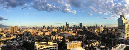 Wolkenkratzer, im Stadtzentrum gelegene Bangkok-Stadtbilder, Sonnenscheinmorgen, Thail lizenzfreie stockbilder