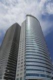 Wolkenkratzer mit Glaszwischenwand stockbild