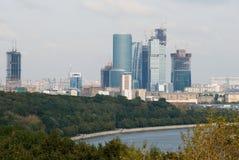 Wolkenkratzer in Moskau Stockbild
