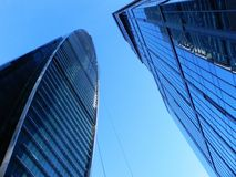 Wolkenkratzer in Moskau-Stadt Architekturkomplex des B?ros und der Wohngeb?ude stockbild