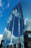 Wolkenkratzer-Reflexion Stockfotografie