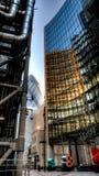 Wolkenkratzer-Reflexionen Stockfotografie