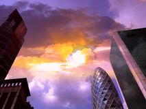 Wolkenkratzer sind in der Großstadt und im Himmel stockbild