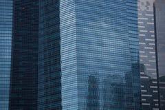 Wolkenkratzer in Singapur Stockfotografie