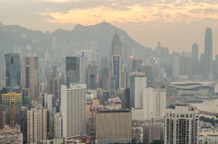 Wolkenkratzer und andere Gebäude auf Hong Kong Island in Hong Kong, China, angesehen vom Braemar-Hügel Lizenzfreie Stockfotografie