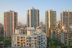 Wolkenkratzer- und Highrisearchitektur Lizenzfreies Stockbild