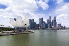 Wolkenkratzer und Museum Singapurs ArtScience Lizenzfreie Stockbilder