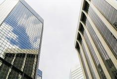 Wolkenkratzer und Reflexionen Stockbilder