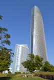 Wolkenkratzer von Abu Dhabi stockfotos