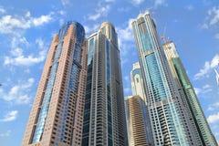 Wolkenkratzer von Dubai stockfotos