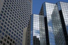 Wolkenkratzerauszug Stockfoto