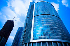 WolkenkratzerGeschäftszentrumaufbauten Stockbild