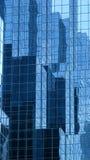 Wolkenkratzerreflexion Stockfoto