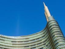 Wolkenkratzerspitze in Mailand Stockbild