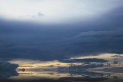 Wolkenlandschap in Indonesië stock afbeeldingen