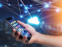 Wolkennetwerk op een futuristische interface met netto en c wordt getoond dat stock foto's
