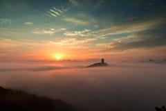 Wolkenseesonnenaufgang Stockfotos