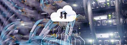 Wolkenserver en de gegevensverwerking van, gegevens opslag en verwerking Internet en technologieconcept stock fotografie