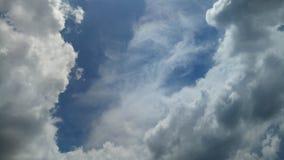 Wolkenstortbuien royalty-vrije stock afbeeldingen