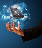 Wolkentechnologie in de hand van een zakenman Royalty-vrije Stock Afbeeldingen