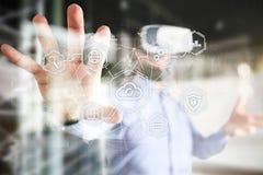 Wolkentechnologie, gegevensverwerking, voorzien van een netwerkconcept Verre gegevensopslag en veiligheid Internet en technologie stock afbeeldingen