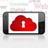 Wolkentechnologiekonzept: Smartphone mit Wolke mit Schlüsselloch auf Anzeige Stockfotografie