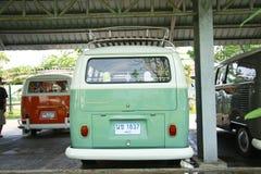 Wolkswagena rocznika retro samochód, rozłamu autobus/ Obraz Royalty Free
