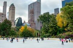 Wollman Lodowy lodowisko w central park, Miasto Nowy Jork obrazy royalty free