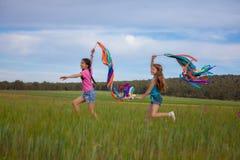 Wolność, zdrowi lato dzieciaki Obrazy Royalty Free