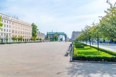 Wolnosci Plac свободы квадратное с фонтаном свободы в Poznan стоковые изображения rf