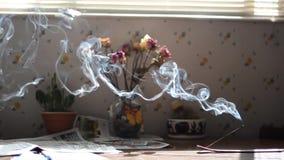 Wolny chodzenie dym od inscent zbiory wideo
