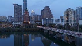 Wolny przedni ustanawia strzał ruch drogowy na Kongresowym aleja moscie w Austin zbiory