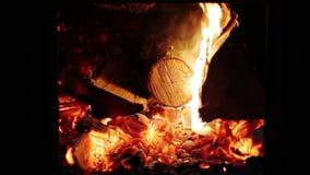 Wolny spalanie graby ogienia zbliżenie zbiory