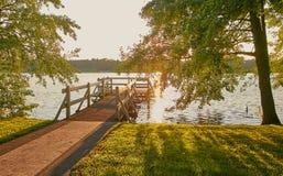 Wolsztyn, ПОЛЬША - пристань в живописном месте на береге озера Стоковое Изображение