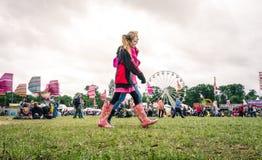Womad节日的十几岁的女孩 免版税图库摄影
