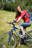 Womam cyclist  traveling Royalty Free Stock Photos