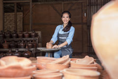 Woman artist making pottery Royalty Free Stock Photos