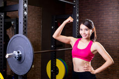 Woman with barbell Royalty Free Stock Photos