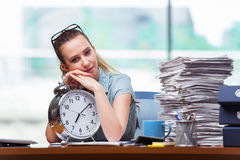 The woman businesswoman failing to meet her deadlines Royalty Free Stock Photography